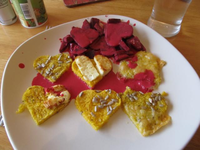 Polenta mit rotem Gemüse