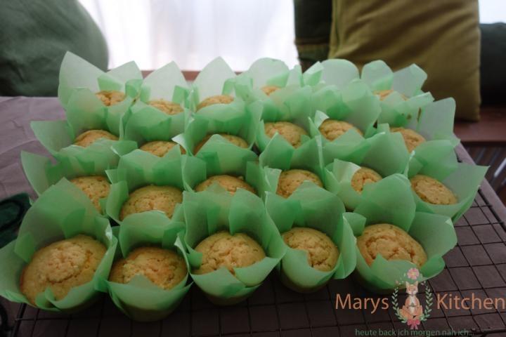Nifty Nozzles Eierlikör Mango Cupcakes Tulpen (2)